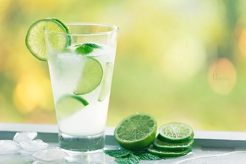 柠檬水应该怎么泡才更健康?
