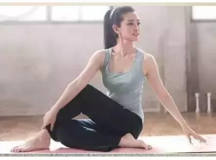 6式简单健身操 帮你改善身体僵硬