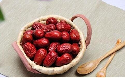 红枣有益吃法需讲究 8种情况不适宜吃枣