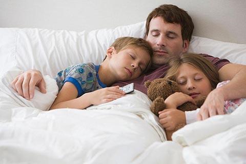 哄孩子睡觉很头痛?看看这几个哄孩子睡觉的小妙招