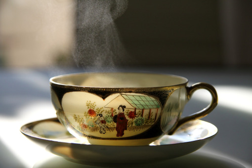 夏吃热茶热食更能消暑降温