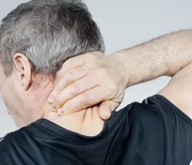 颈椎病通过按摩两个穴位可以缓解