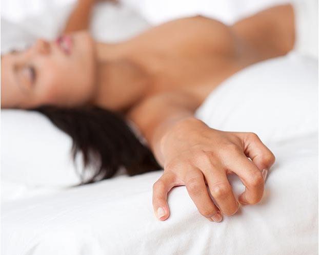 女人自慰比做爱更容易到达高潮吗