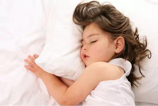 孩子性发育年龄提前了 女孩9.5岁男孩11.3岁!