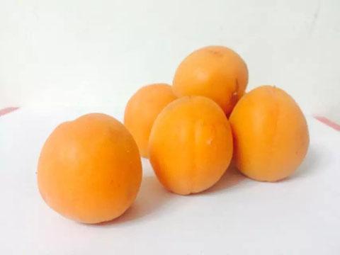 表面发褐的桃杏还能吃吗?熟软≠腐烂