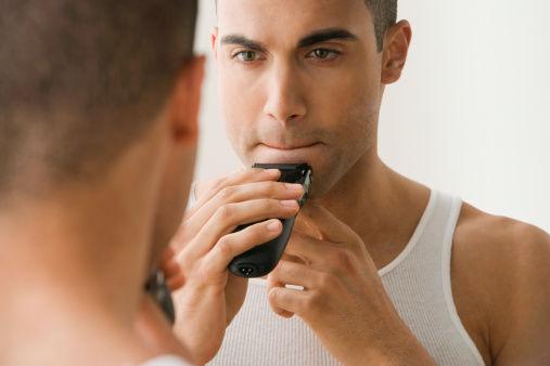 共用刮胡刀会传播 HIV 么?