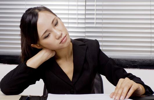 3种坐姿最易导致颈椎病